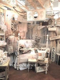 Beautiful booth display : a gathering place: ~a sweet vintage white bed~ Vintage Booth Display, Antique Booth Displays, Antique Mall Booth, Antique Booth Ideas, Craft Booth Displays, Booth Decor, Antique Stores, Display Ideas, Flea Market Displays