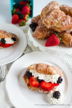 Sweet Berry Croissan
