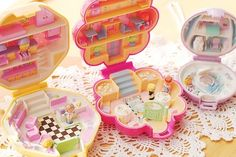 Polly Pockets.