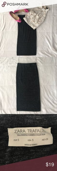 [•JUSTADDED•] ZARA midi skirt ZARA Midi skirt. Color: dark grey. Size: small. Stretchy with high rise fit. Listing for skirt only. Offers accepted! Zara Skirts Midi
