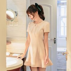 Japanese Fashion - Short-sleeved flounced slim dress