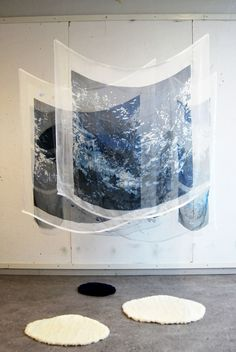 verket i utställningssammanhang Process Find Objects, Conceptual Art, Textiles, Fabric Art, Installation Art, Painting Inspiration, Textile Art, Graphic Illustration, Fiber Art
