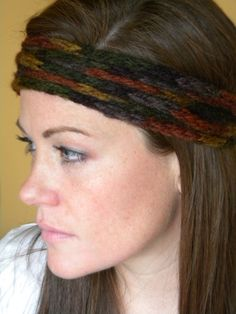Made this headband by crocheting an i-cord. It can be worn as a necklace, neck warmer, or a couple of different ways as a headband. Fun.