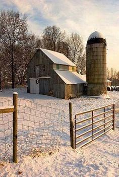 FARMHOUSE – BARN – vintage early american barn commonly used for storing farm equipment, storage of harvested crops, or providing shelter for livestock. Country Barns, Country Life, Country Living, Country Roads, Farm Barn, Old Farm, Barn Pictures, Country Scenes, Farms Living