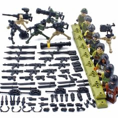 Small Particle Military Building Block Figure Educational Assembly Toy for Children Playing Parent-child Entertainment Kits Cool Lego, Cool Toys, Armadura Ninja, Plastic Toy Soldiers, Lego Soldiers, Lego For Sale, Lego Army, Lego Ww2, Hobbies To Take Up