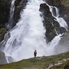 Kleivafossen waterfall Briksdalsbre #norway  #bestofnorway #travel  #visitnorway #hiking  #explore #waterfall #travelphoto #glacier #discover_vacations  #followback  #podroze #podróże #mountain #alone