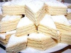 Prajitura alba ca zapada foile: - 10 linguri lapte - 10 linguri zahár - 10 linguri ulei - 1 linguritá sa. Hungarian Desserts, Hungarian Cake, Hungarian Recipes, Sweet Desserts, Sweet Recipes, Delicious Desserts, Dessert Recipes, Yummy Food, Twisted Recipes