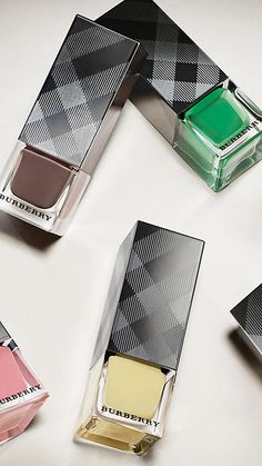 Runway Nail Collection | Burberry