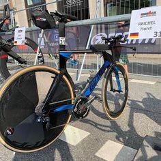 MOIN MOIN aus Hamburg! Der Ironman läuft auf Hochtouren und Horst Reichel fliegt über die Radstrecke 🚀🚀🚀 #allinaero #trinity #tri…