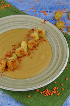 Supa crema de linte rosie - CAIETUL CU RETETE Good Food, Yummy Food, Lentils, Healthy Recipes, Vegetarian Recipes, Food And Drink, Soup, Tasty, Meals