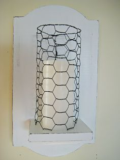 Chicken wire DIY crafts that will make beautiful additions to your home. See the best ideas for 2020 and create your favorite project! Home Candles, Diy Candles, Chicken Wire Crafts, Decor Crafts, Diy Crafts, Home Decor, Candle Holders Wedding, Crafty, Inspiration