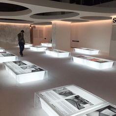 Image result for circle chairs exhibition museum design