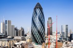 30 St Mary Axe (the Gherkin), London, England Famous Buildings, Amazing Buildings, Famous Landmarks, Structural Expressionism, Gherkin London, 30 St Mary Axe, Unique Architecture, London Architecture, Wonders Of The World