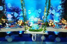 #mulpix Profissionais que transformaram o Armazem das flores em um lindo fundo do Mar: decoracao  @monique_abreu , doces personalizados  @bonsucre_miacioli , personalizados  @lojabycraft , mesa e gazebo  @diogogarrote , Iluminacao  @marcosdumit , bolo  @majuformiga , bem vividos  @niedjabelo , águas marinhas  @alexlimadecor , toalha de mesas  @aldorodrigues2 , Buffet  @soninha_farias , flaus gourmet  @flaugourmet , pipocas gourmet  @vitrinedapipoca , animação patati patat