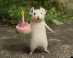 Birthday needle felt mouse