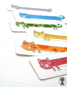 Regenboog katten uit de ruimte. Zij zou kunnen worden gerelateerd aan Nyan Cat ;)  Ik heb deze bladwijzer met behulp van aquarellen en zwarte inkt op een zeer zware en getextureerde aquarel papier geschilderd. De bladwijzer is twee-zijdige (u kunt Zie achterkant van een kat aan de andere kant) en de hoeken zijn afgerond.  Afmeting: 11 cm/4.3 inch lange  Als u graag een kat bladwijzer in een andere kleur of met uw kat geschilderd op het - laat me enkel weten :)  *****  Alle items komen…