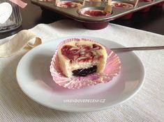 Mini cheesecake s ricottou a ovocným pyré Cheesecake Cupcakes, Mini Cheesecakes, Ricotta, Pudding, Desserts, Recipes, Food, Pizza, Tailgate Desserts