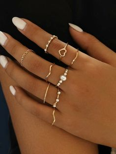 Main Inspo Page ⋆ Best Frugal Deal & Steals on inspo – Bijoux Trends Stylish Jewelry, Simple Jewelry, Dainty Jewelry, Cute Jewelry, Women Jewelry, Simple Rings, Layered Jewelry, Hand Jewelry, Jewelry Rings