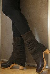 Clogs and legwarmers Swedish Clogs, Swedish Hasbeens, Clogs Outfit, Clogs Shoes, Cute Fashion, Fashion Shoes, Steampunk Fashion, Gothic Fashion, Women's Fashion