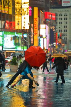 Dancers Among Us series tango in Times Square Dance Like No One Is Watching, Singing In The Rain, Swing Dancing, Ballroom Dancing, Shall We Dance, Just Dance, Modern Dance, Dancers Among Us, Red Umbrella