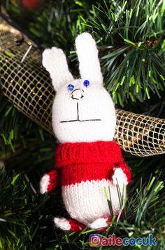 Çocuğunuza kendi oyuncağınızı yapın... #amigurumi #amigurumimodelleri #amiguruminasilyapilir Crafty, Christmas Ornaments, Holiday Decor, Toy, Kid, Christmas Jewelry, Christmas Decorations, Christmas Decor