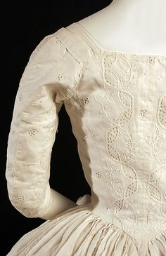 Detail of back, Dress (Robe à l'Anglaise), British, c 1780, cotton, flax. Metropolitan Museum of Art.