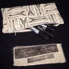 Handprinted Flying V pencil case  #flyingv #pencilcase #guitar #handprinted #blockprint #blockprinting #design #ink #zippouch #guitars #zippurse #gibson #gibsonguitars #ecofriendlyink #permaset_aqua #printmaking #textileprint #textiledesign