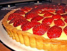 Tarta de crema pastelera con frutillas (fresas)