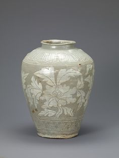 Jar with Decoration of Peonies Korean, Joseon dynasty second half of the century Leeum, Samsung Museum of Art, Seoul Korean Pottery, Vase, 15th Century, Black Pattern, Ceramic Pottery, Green And Grey, Art Museum, Diffuser, Antiques