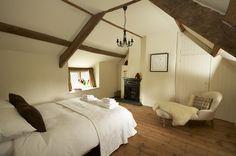 Luxury self-catering cottage in Higher Ashton, Devon; luxury self catering thatched cottage in Higher Ashton Devon
