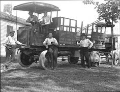 Oertels Brewery first delivery truck, ca. 1900. University of Louisville Photographic Archives