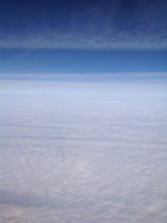 32,000 feet across a cloudy Midwest.