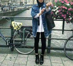 jean-jacket-hijab-ankle-boots- How to wear ankle boots with hijab Tesettür Jean Modelleri 2020 Hijab Casual, Hijab Outfit, Casual Outfits, Ankle Boots With Jeans, How To Wear Ankle Boots, Street Hijab Fashion, Muslim Fashion, How To Wear Headbands, Hijab Jeans