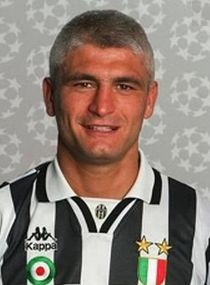 Fabrizio Ravanelli Good Soccer Players, Juventus Fc, Old Women, Bella, Legends, Pin Up, Football, Sport, Lady