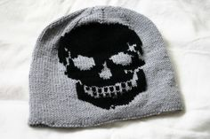 Skull hat knitting pattern