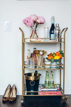 """Fantastic """"bar cart decor inspiration"""" info is available on our internet site. Check it out and you wont be sorry you did. Diy Bar Cart, Gold Bar Cart, Bar Cart Styling, Bar Cart Decor, Bar Carts, Ikea Bar Cart, Style At Home, Kitsch, Bar Refrigerator"""