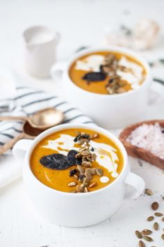 This Roasted Butternut Squash Soup with Sausage has all the deliciously comforting flavors of fall. Perfect as the start to a Thanksgiving feast, or as a meal all on its own. Low Carb Soup Recipes, Fall Soup Recipes, Real Food Recipes, Diet Recipes, Top Recipes, Ketogenic Recipes, Diabetic Recipes, Ketogenic Diet
