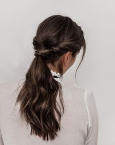HÅRFRISYRE TIL 17. MAI PÅ FEM MINUTTER – Emilie Tømmerberg Braided Hairstyles, Bobby Pins, Braids, Hair Accessories, Dreadlocks, Long Hair Styles, Beautiful Hairstyles, Fashion, Bang Braids