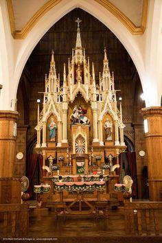 St.-George-Church-Altar,-kothamangalam-003