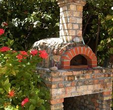 outdoor fireplace / brick oven for pizza