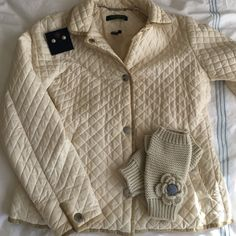 Ralph Lauren cream quilted jacket So chic! Comfy cozy! In excellent used condition. 57% nylon, 43% cotton. Size petite, will fit like an xs. Ralph Lauren Jackets & Coats