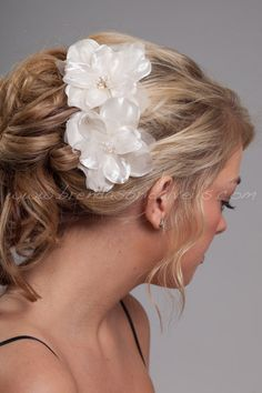 Bridal Flowers 2 Piece Ivory Hair Set Fresh by brendasbridalveils, $49.95
