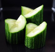 Chigai-giri or opposing cut for cylindrical veggies and fruits. I must learn how to do this!