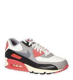 Modne buty sportowe: Nike Air Max 90, 349 zł