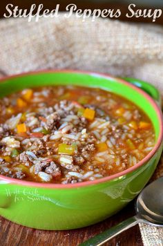 Stuffed Peppers Soup | from willcookforsmiles.com #soup #groundbeef #stuffedpeppers