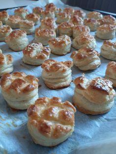 vajas pogácsa - MesiNasi - Sütemény és Egyszerű Étel Receptek French Bakery, Sports Food, Doughnut, Muffin, Breakfast, Breakfast Cafe, Muffins