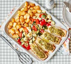 Pesto salmon traybake with baby roast potatoes. Healthy Pastas, Healthy Foods To Eat, Healthy Kids, Healthy Snacks, Healthy Eating, Healthy Recipe Videos, Bbc Good Food Recipes, Healthy Dinner Recipes, 21 Day Fix