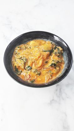 Looking for a tasty Indian recipe? Spinach and cheese palak paneer is IT! | ahedgehoginthekitchen.com