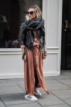 Fall Street Style Outfits to Inspire Herbst Street Style Fashion Week Street Style Outfits, Mode Outfits, Casual Outfits, Fashion Outfits, Fashion Trends, Fall Outfits, Fashion Clothes, Outfit Winter, Street Style Jackets