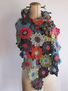 BEE-U-Ti-FUL Flower Wrap - I want to make this stole, but there are no instructions.  The text is written in French.